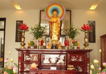 Ý nghĩa và cách bài trí bàn thờ Phật chuẩn phong thủy