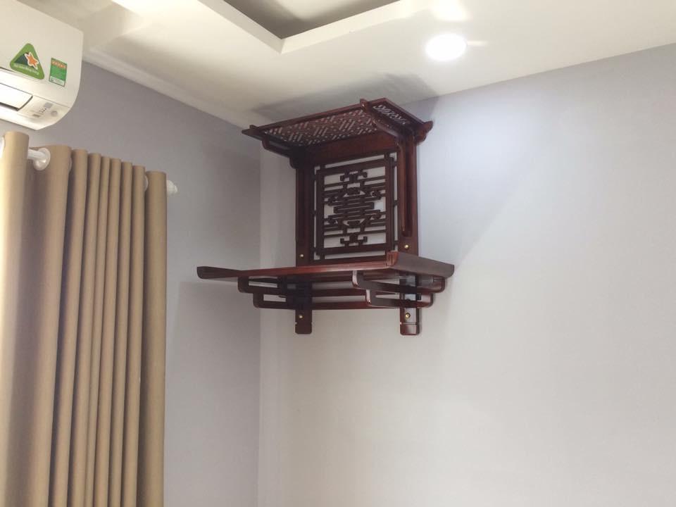 Top 5 mẫu bàn thờ treo tường có mái được ưa chuộng nhất hiện nay