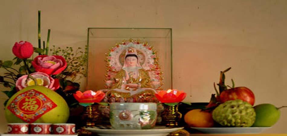 Cần chú ý việc bày trí bàn thờ Phật Quan Âm treo tường